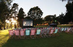 Outdoor_cinema_deckchairs
